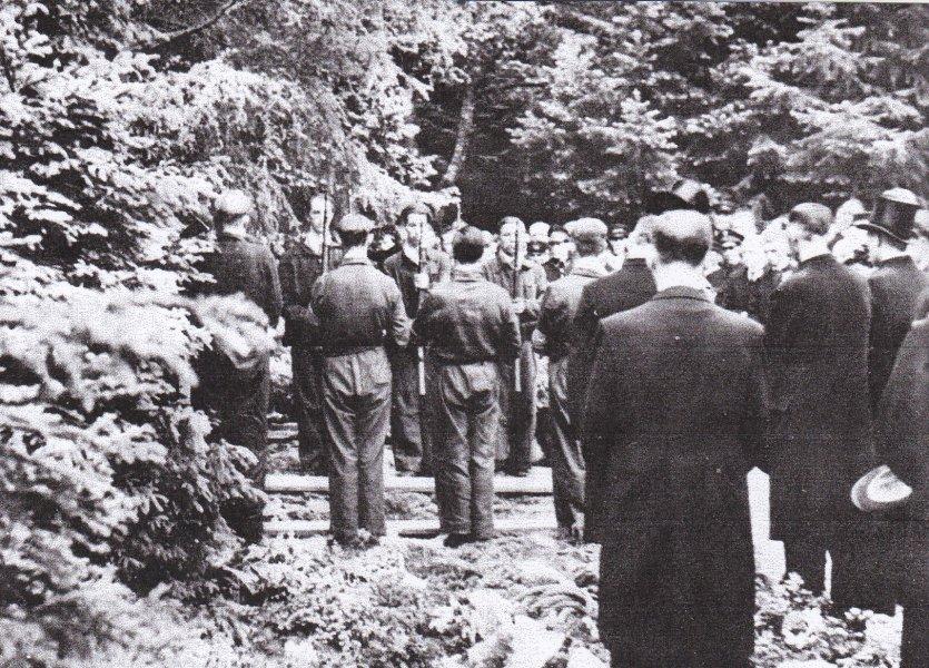 Het eresaluut 9 mei 1945.jpg