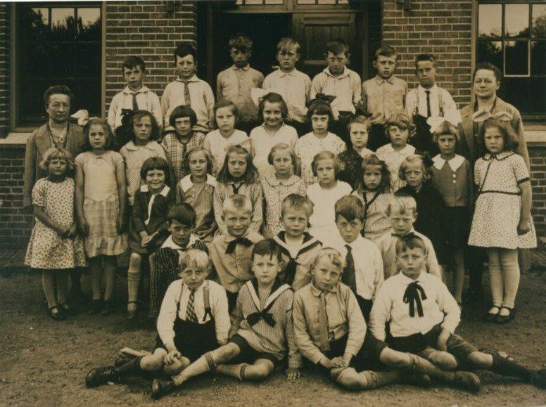 Foto OLS 1931 Bram onder 3e vl.jpg