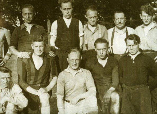 Foto veluvine team tegen Ittmann 1 8 1944.jpg