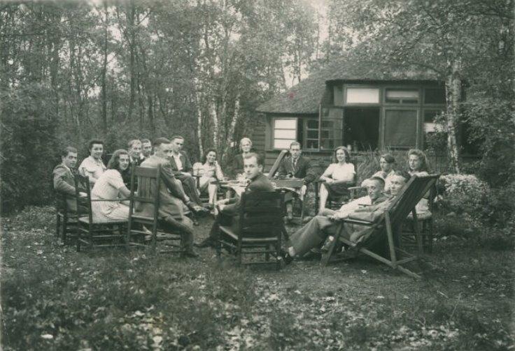 Foto verzetsgroep Schuilhoek 1945.jpg